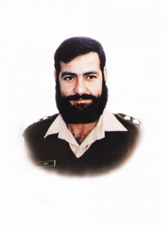 Saif Ali Khan Hd Wallpaper Heros Of Pakistan Who Have Been Awarded Nishan E Haider
