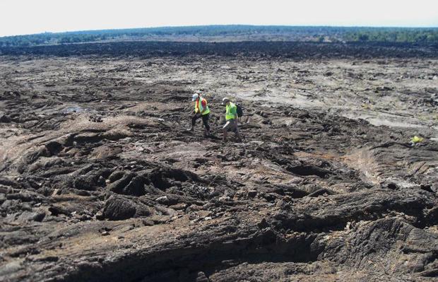 "Two UH Hilo students investigate ""Mars"""