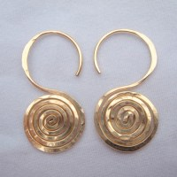 Gold Gauge Earrings Stretched Ear Adorned With Tawapa ...