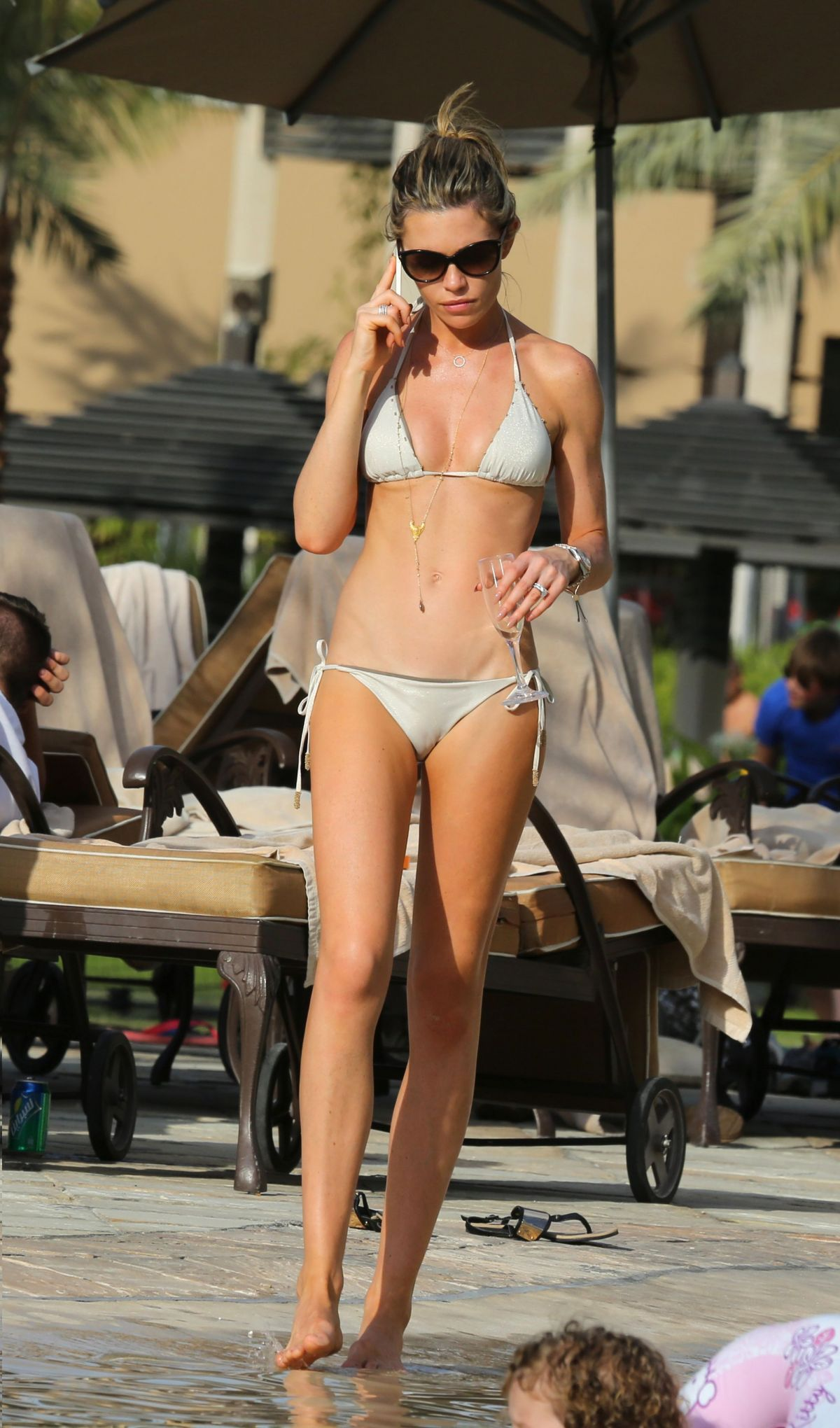 Fall Out Boy Mac Wallpaper Abigail Abbey Clancy In A Tiny Bikini At A Pool In Dubai