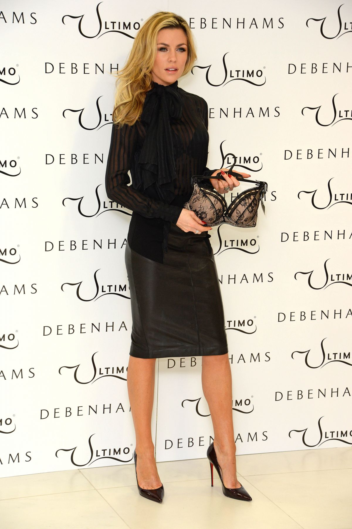 ABBEY CLANCY At Ultimo Valentine S Collection Promotion In London