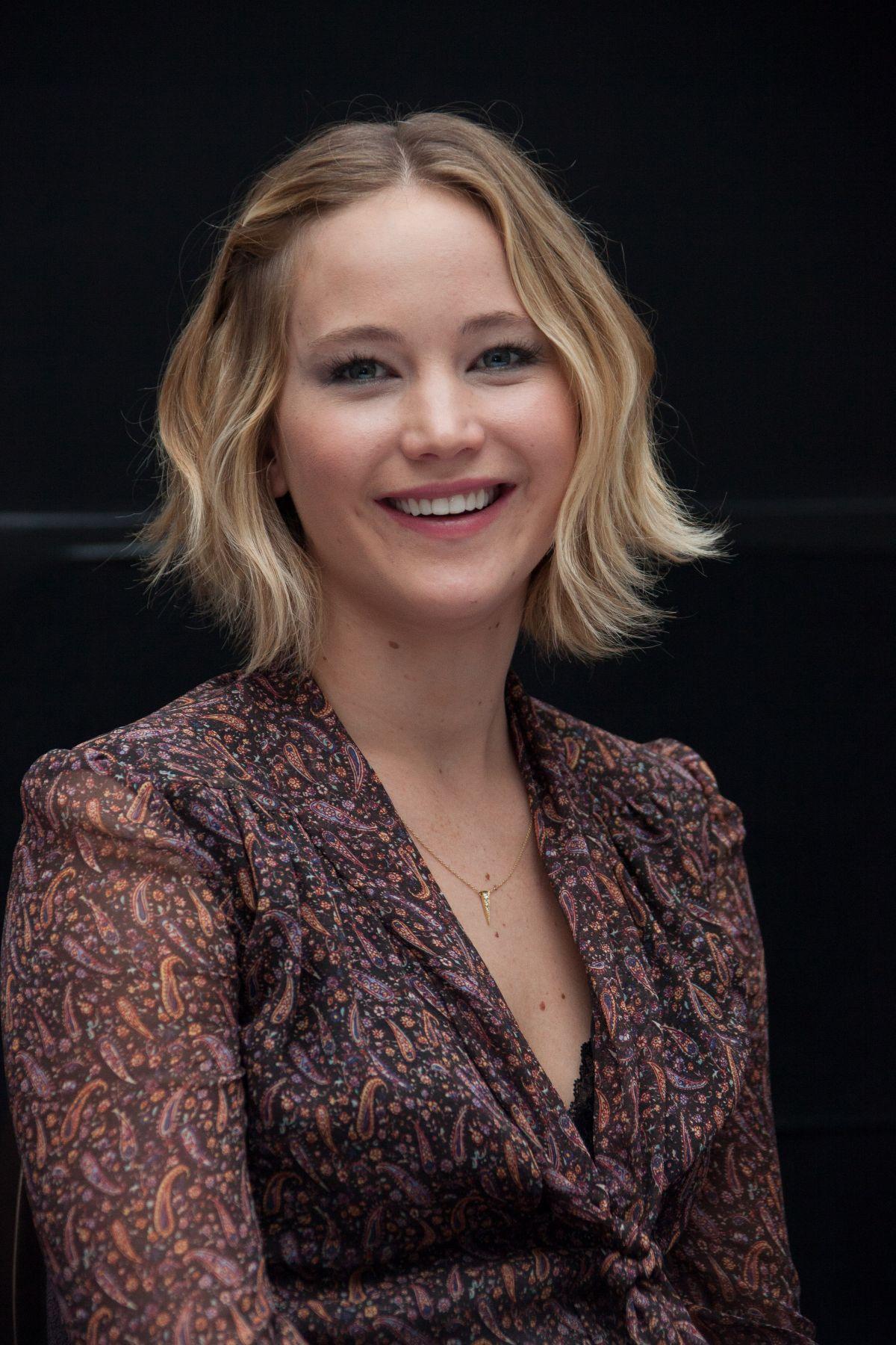 Jennifer Lawrence Hunger Games Mockingjay