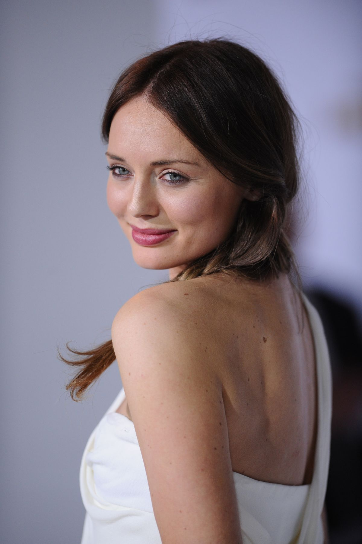 LAURA HADDOCK At Hunger Games Mockingjay Part Premiere In