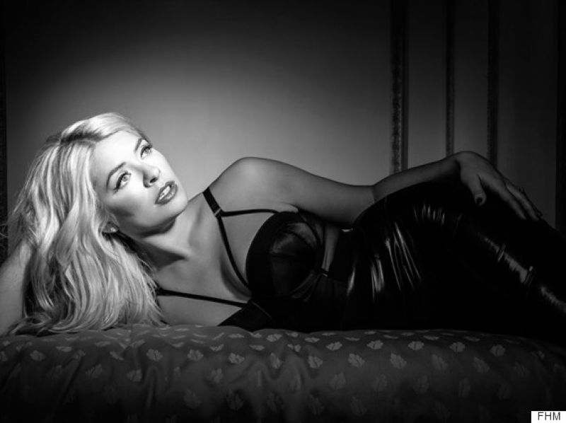 Girl Wallpaper Without Any Clothes Holly Willoughby In Fhm Magazine February 2016 Issue