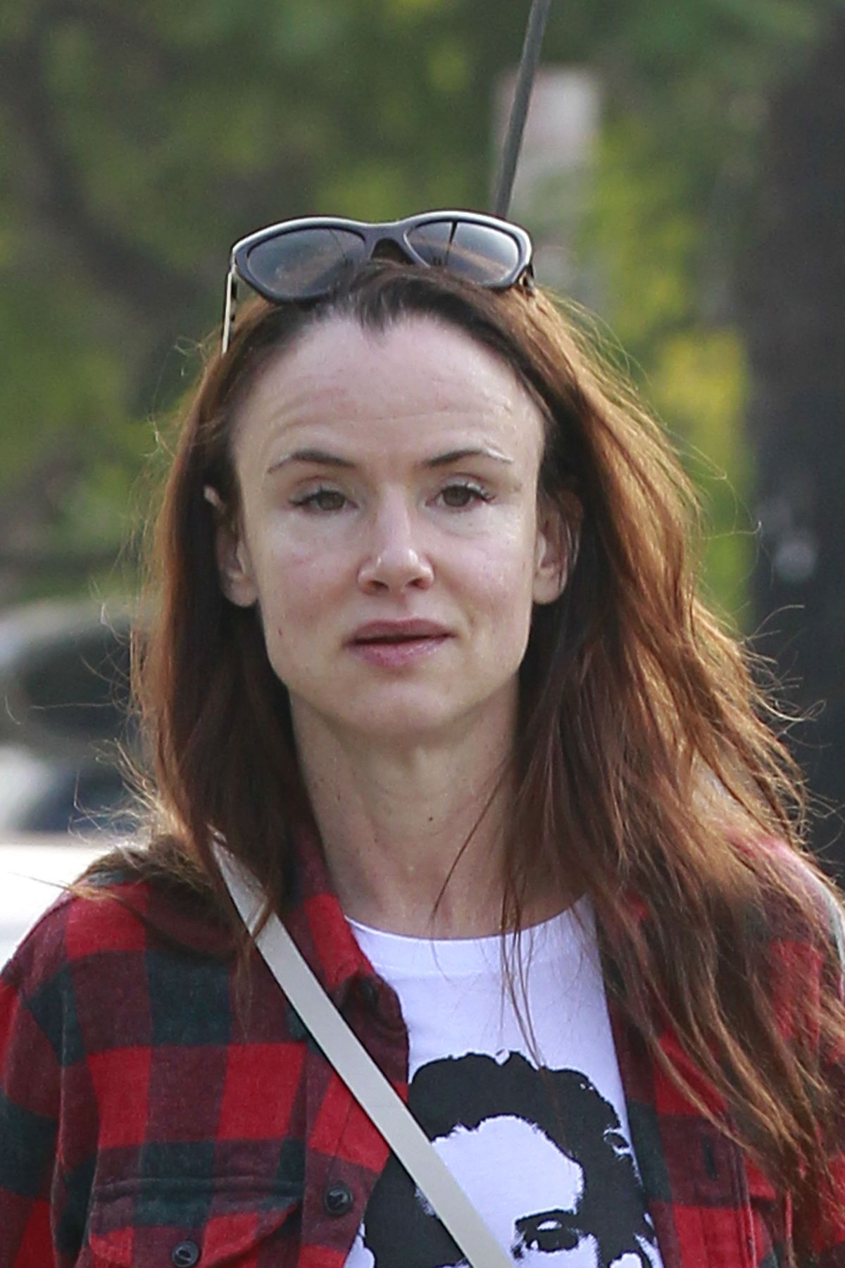 First Love Wallpapers Quotes Topic Juliette Lewis Hits Wall Hard Mgtow