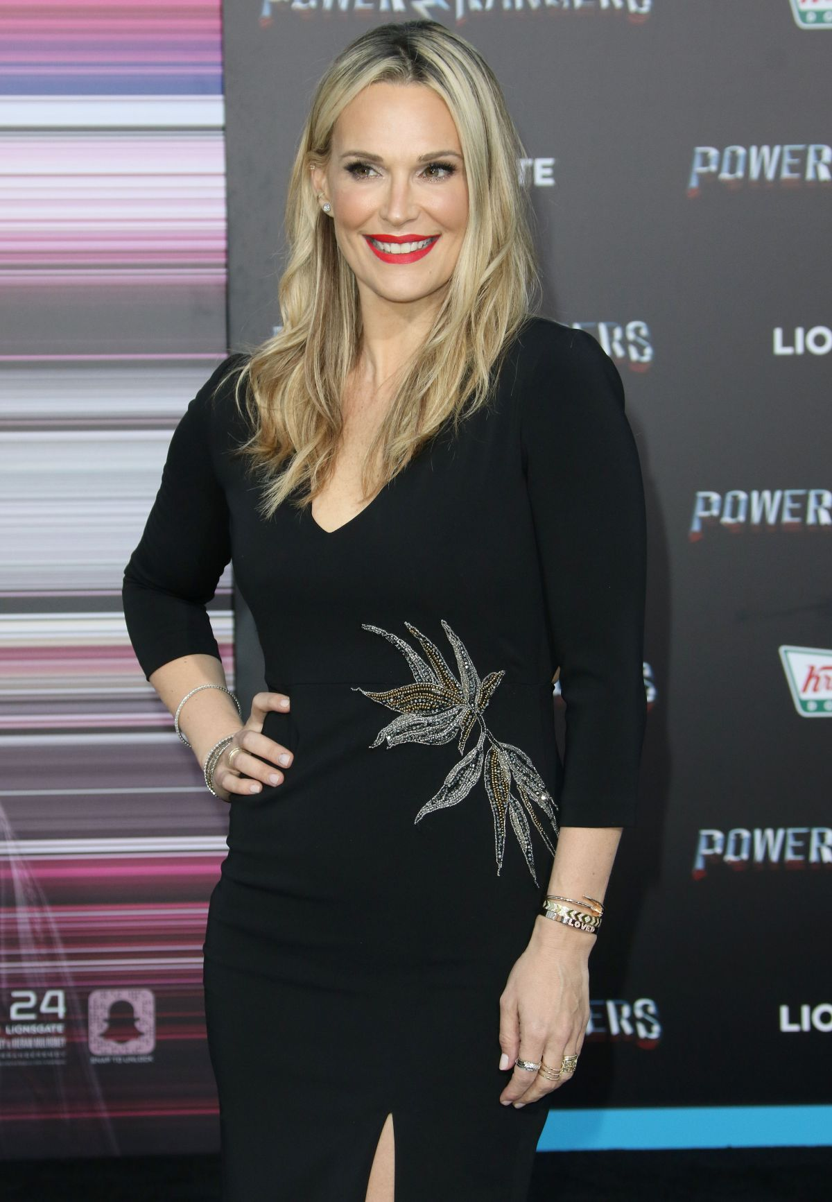 Molly sims archives page 2 of 7 hawtcelebs hawtcelebs molly sims at power rangers premiere download
