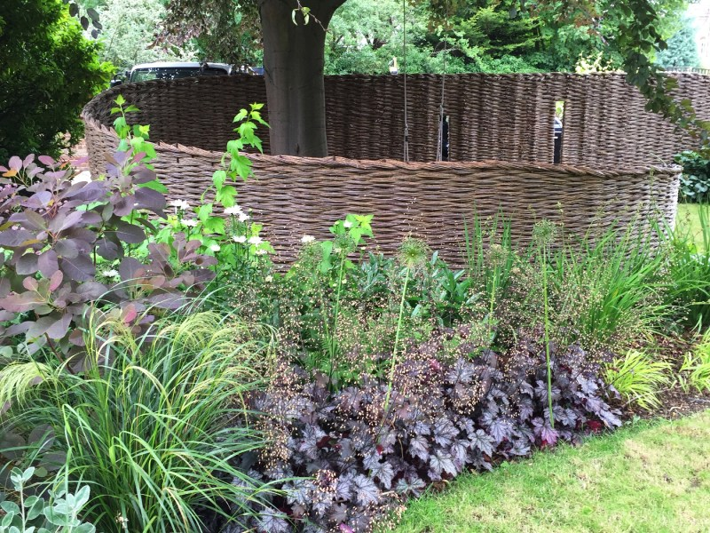 landscaping-fencing-1