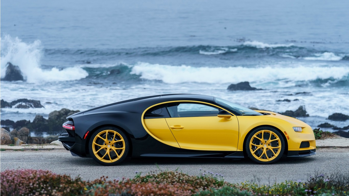 Chevrolet Iphone Wallpaper 2018 Bugatti Chiron Yellow And Black 4k 3 Wallpaper Hd