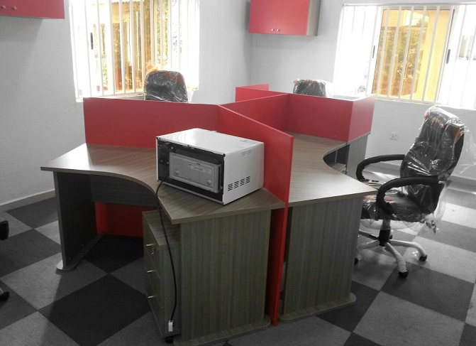 ID: HT WS33,  4-Seater Cubicle Workstation Table