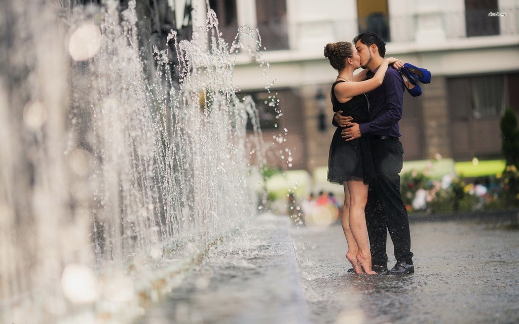 3d Fountain Wallpaper Kissing Couple Wallpapers Pictures Images