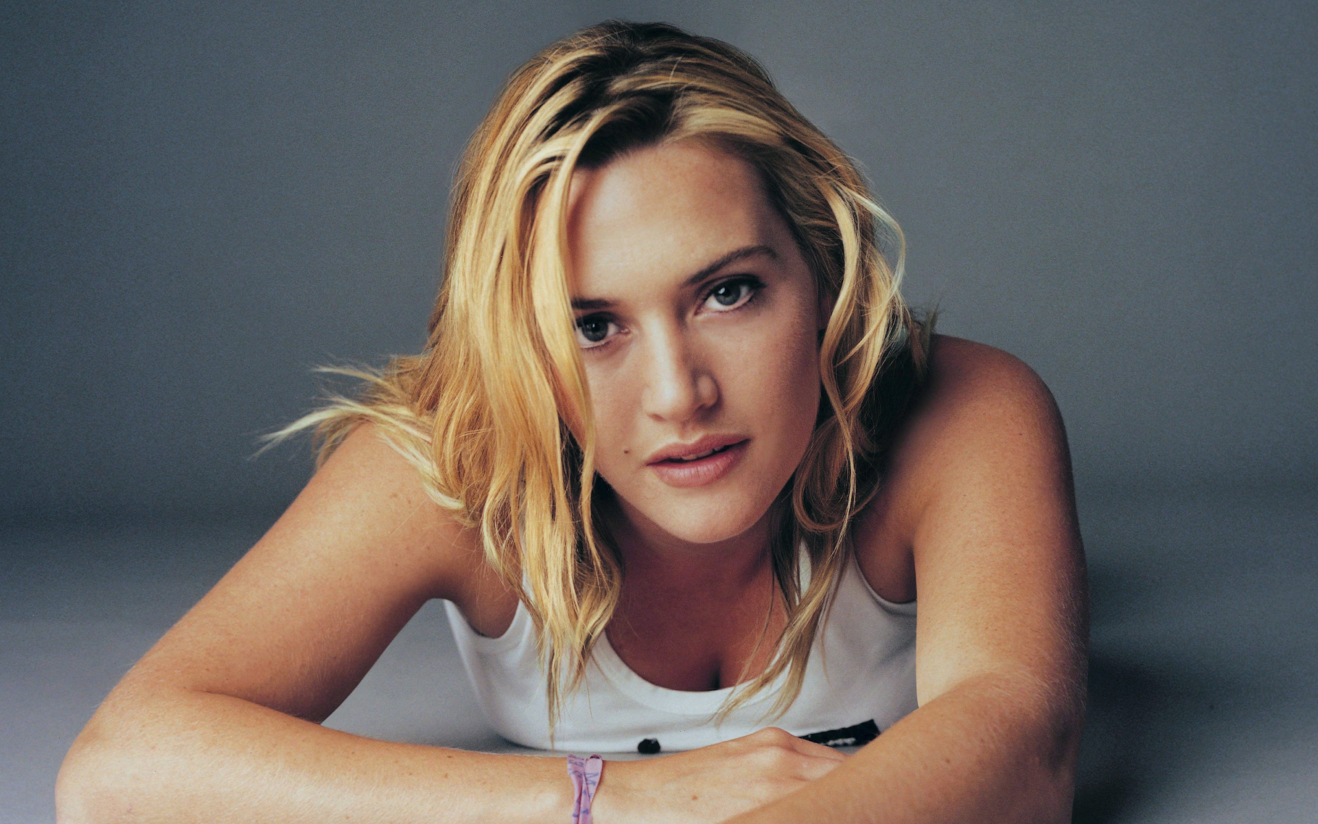 Happy New Year D Kate Winslet Wallpapers Pictures Images