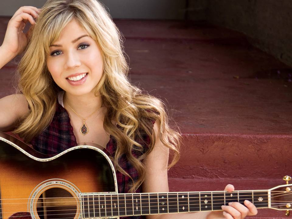 Girl Playing Guitar Hd Wallpapers Jennette Mccurdy Wallpapers Pictures Images