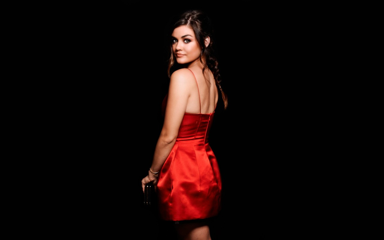 Rush Iphone Wallpaper Actress Lucy Hale Wallpapers Hd Wallpapers Id 16719