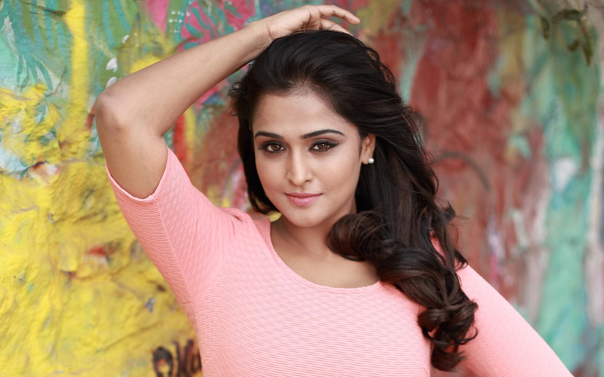 Cute Small Girl Full Hd Wallpaper Actress Remya Nambeesan Wallpapers Hd Wallpapers Id 17244