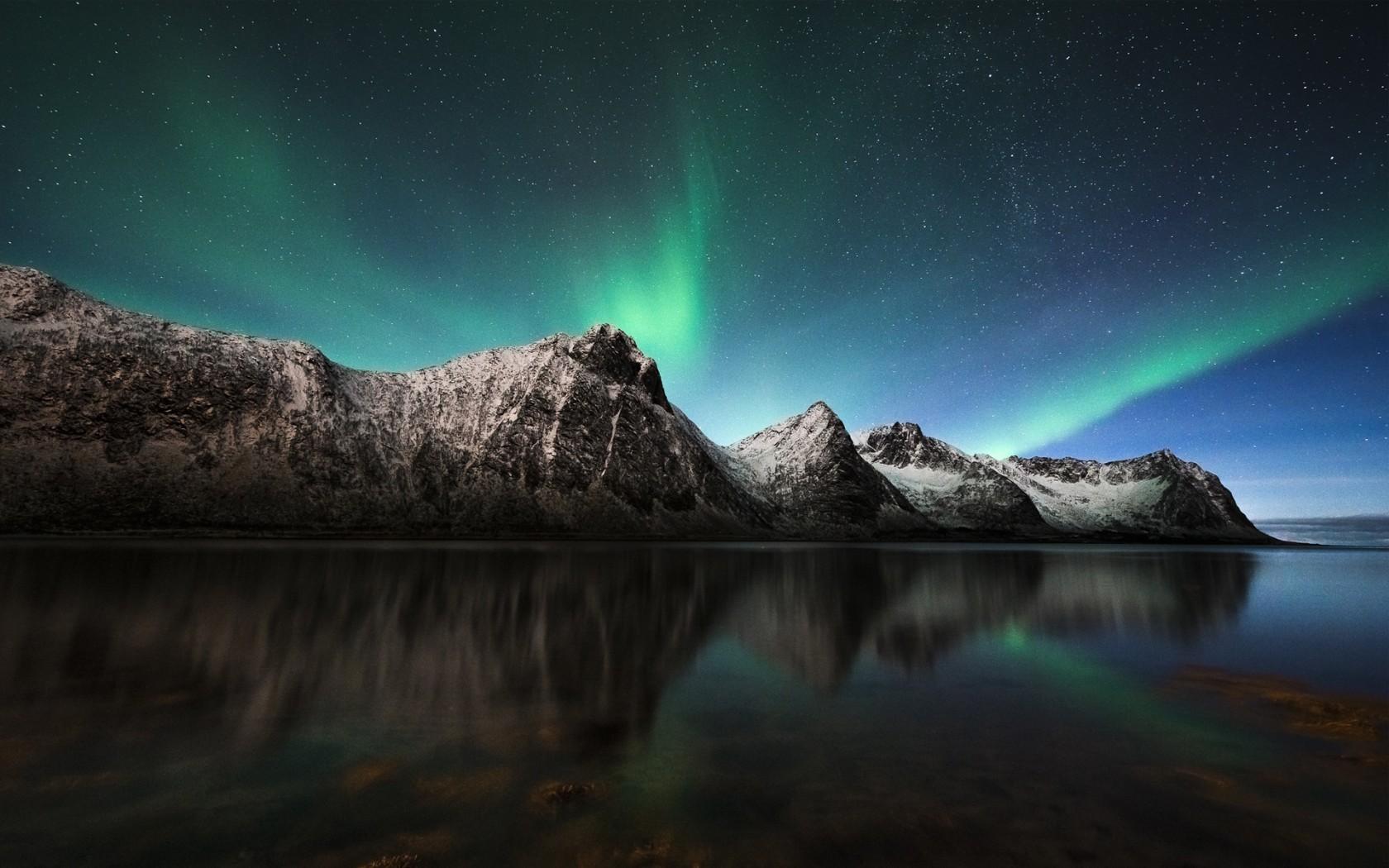 Iphone 4 Winter Wallpaper Aurora Borealis Northern Lights Iceland Wallpapers Hd