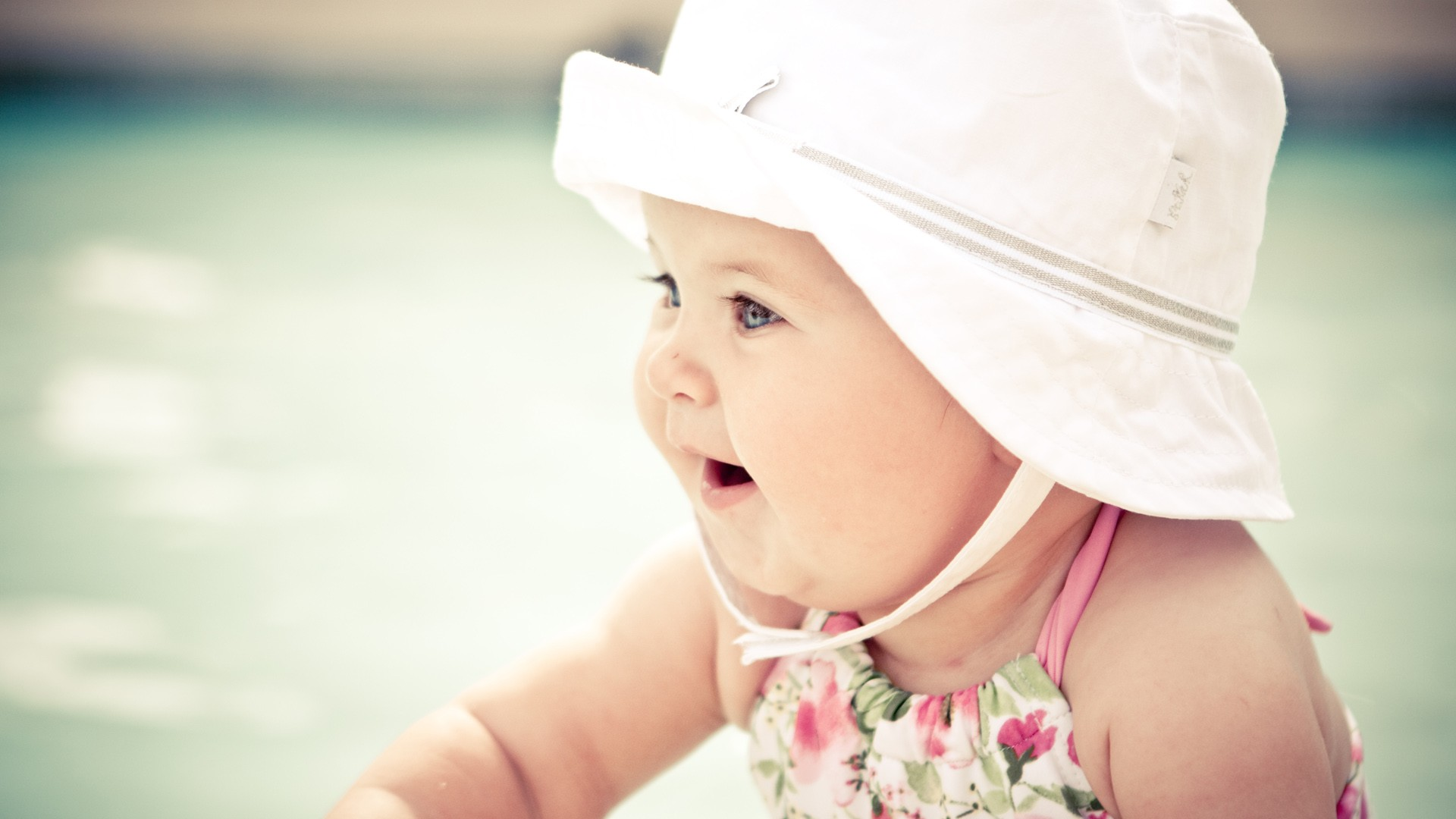 Happy Girl Boy Wallpaper Cute Baby With Hat Wallpapers Hd Wallpapers Id 12171