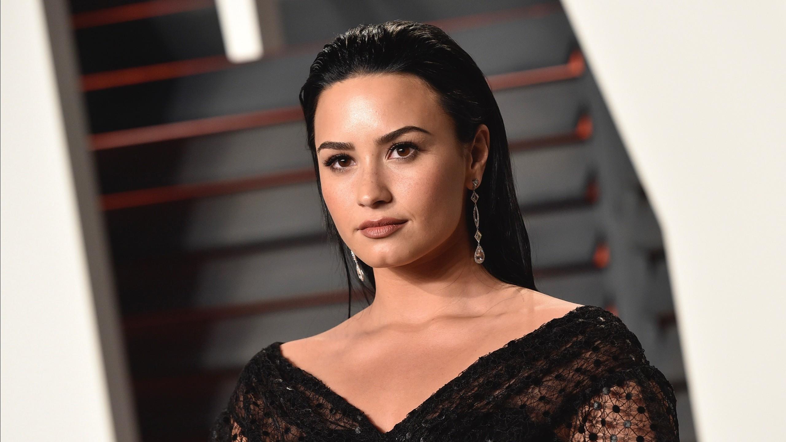 Fall Beach Widescreen Wallpaper Demi Lovato 2017 Hd Wallpapers Hd Wallpapers Id 22348
