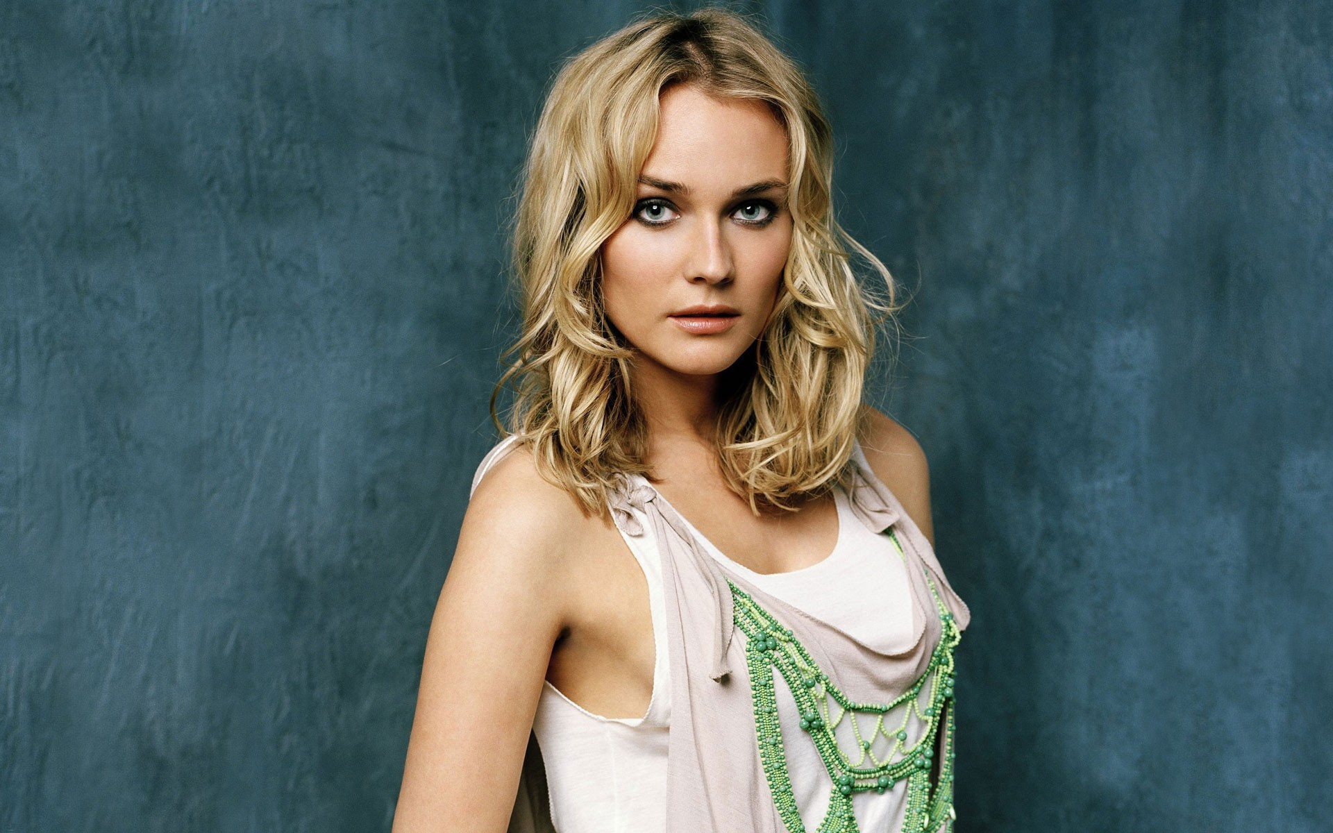 Latest Sports Cars 2014 Wallpaper Diane Kruger Wallpapers Hd Wallpapers Id 8318