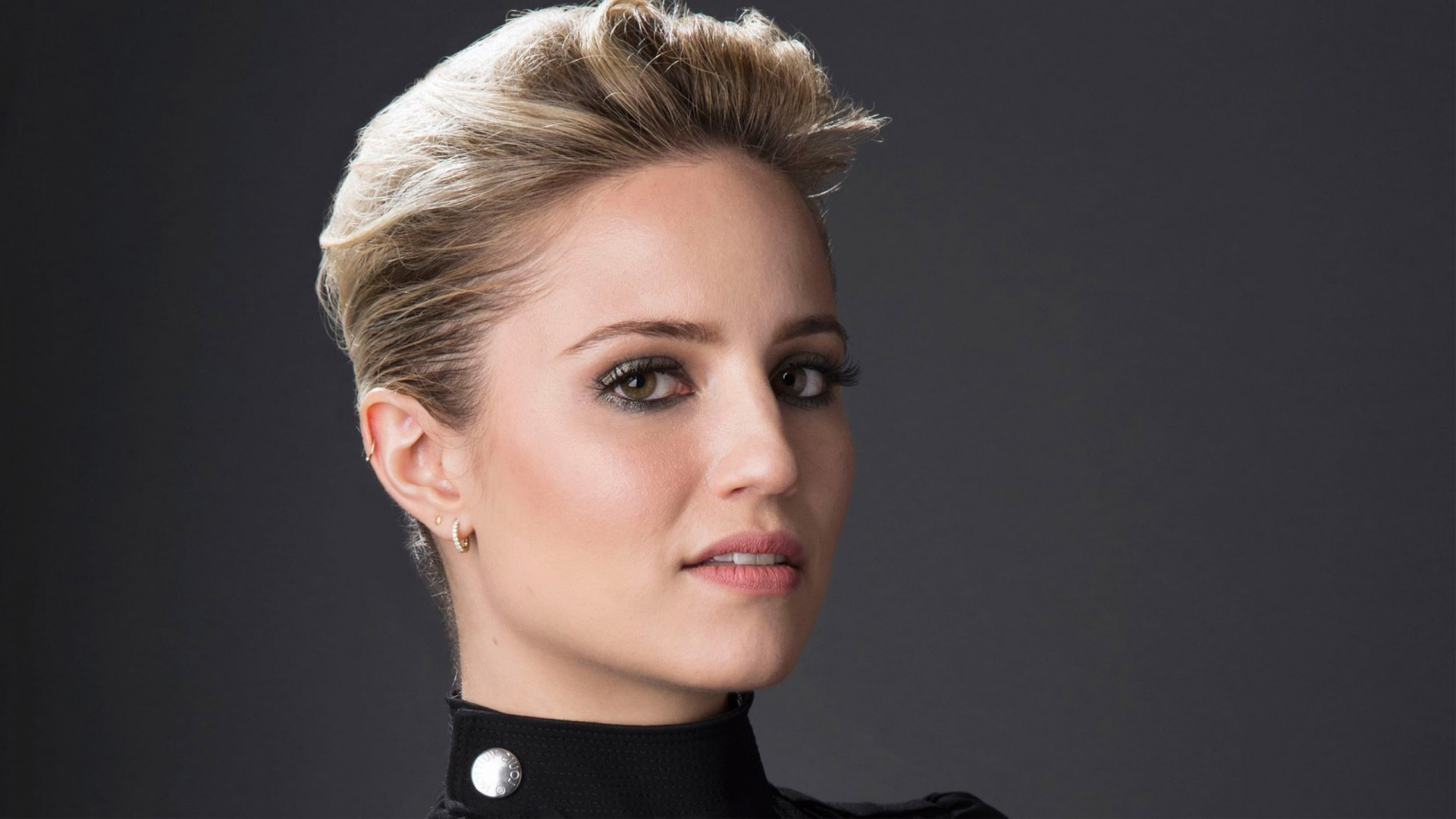 Cute Piano Wallpaper Dianna Agron 9 Wallpapers Hd Wallpapers Id 20175