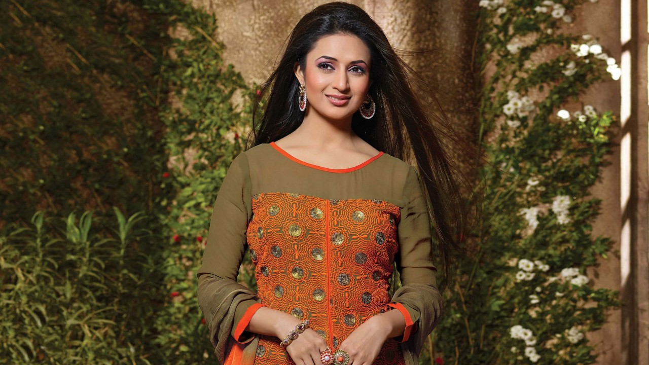 Cars Wallpapers For Iphone X Divyanka Tripathi Wallpapers Hd Wallpapers Id 17138