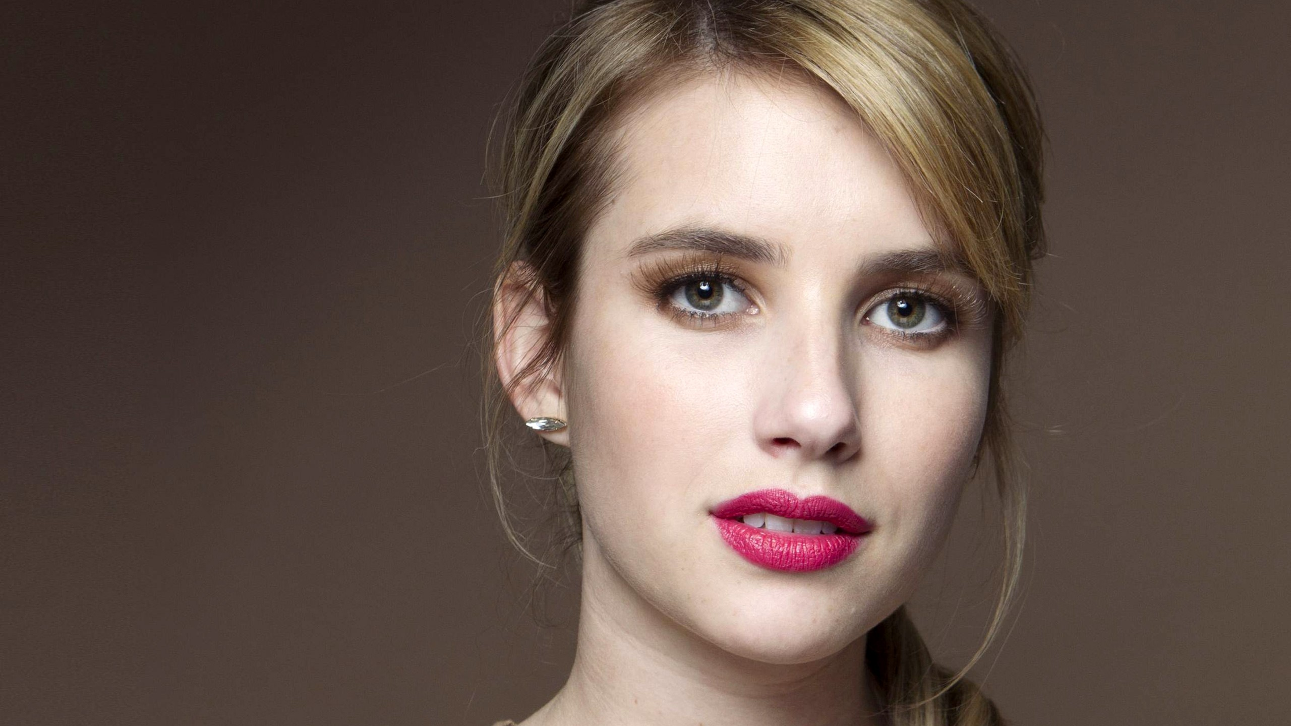 3d Wallpaper For Iphone 6s Plus Emma Roberts Beautiful Wallpapers Hd Wallpapers Id 19704