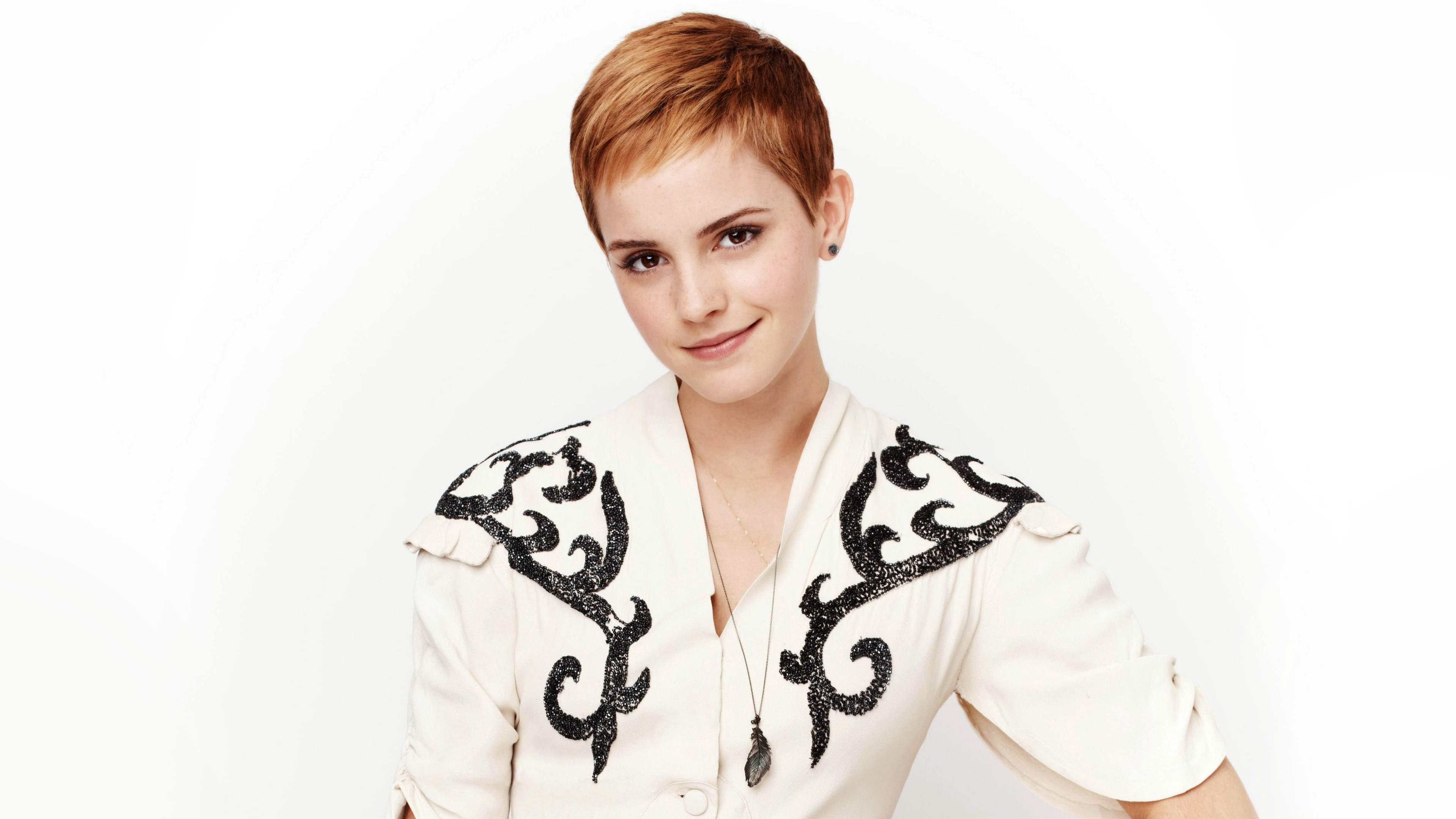 Leather Wallpaper Iphone 6 Emma Watson 320 Wallpapers Hd Wallpapers Id 18190
