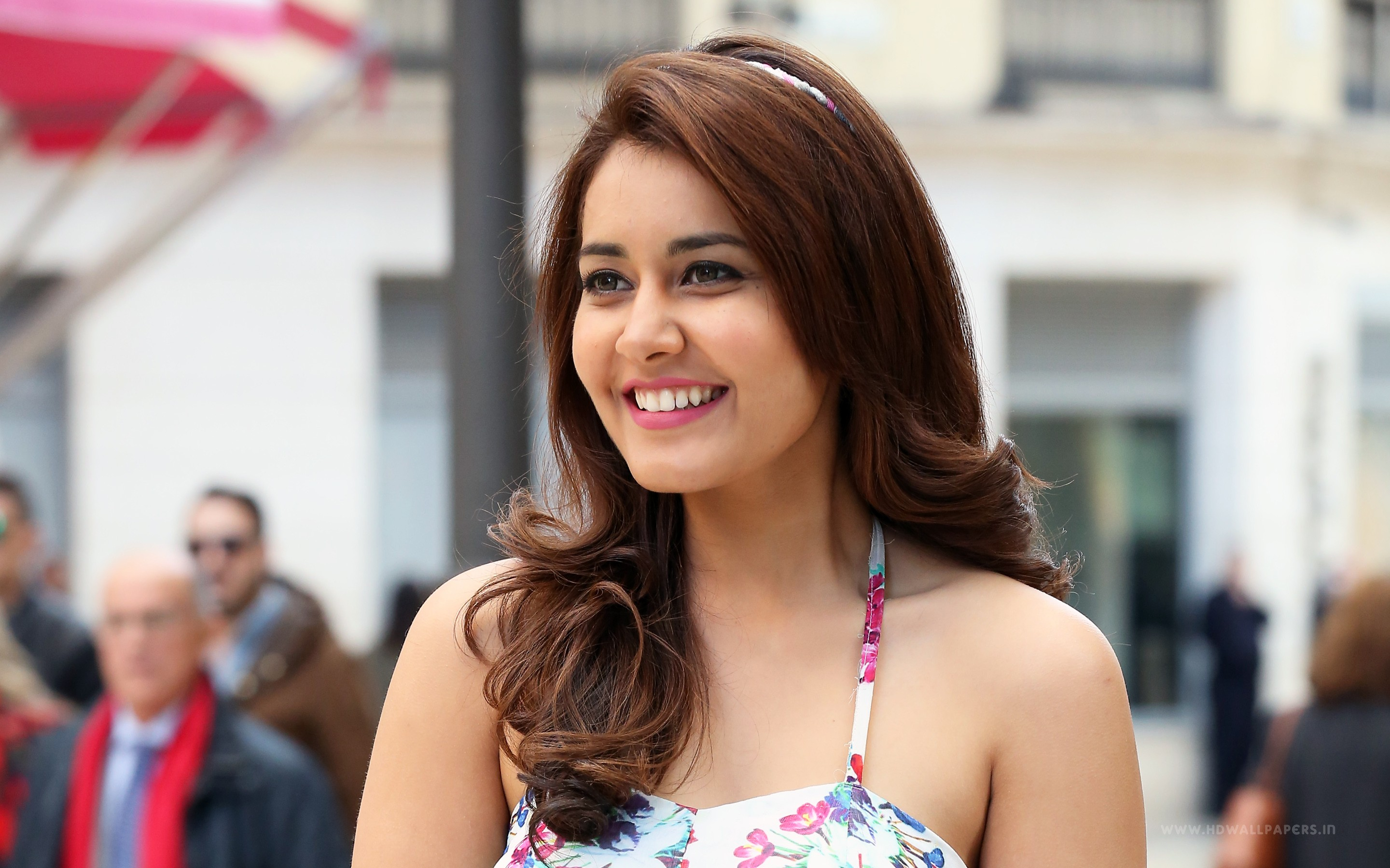 Girl 3 Monitor Wallpaper Heroine Raashi Khanna Wallpapers Hd Wallpapers Id 15372