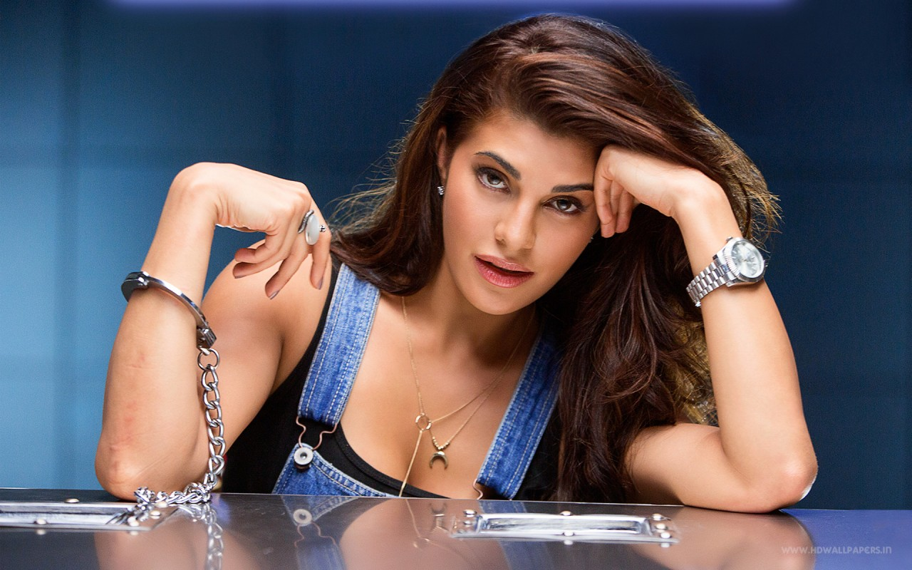 3d Wallpaper Actress Jacqueline Fernandez In Dishoom Wallpapers Hd Wallpapers