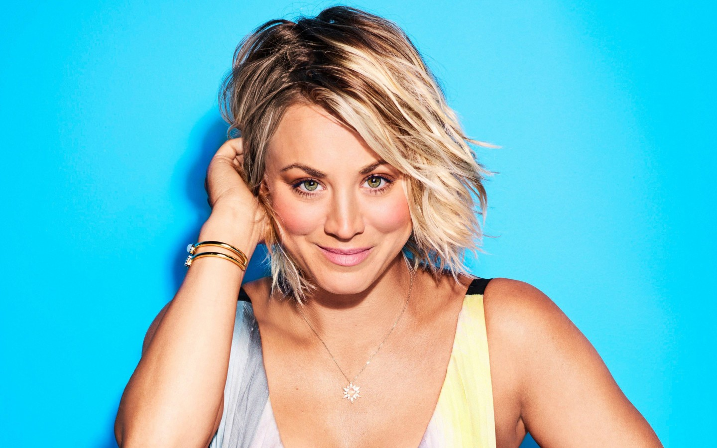 Tattoo Girl Hd Wallpaper Download Kaley Cuoco 4k 2017 Wallpapers Hd Wallpapers Id 21042
