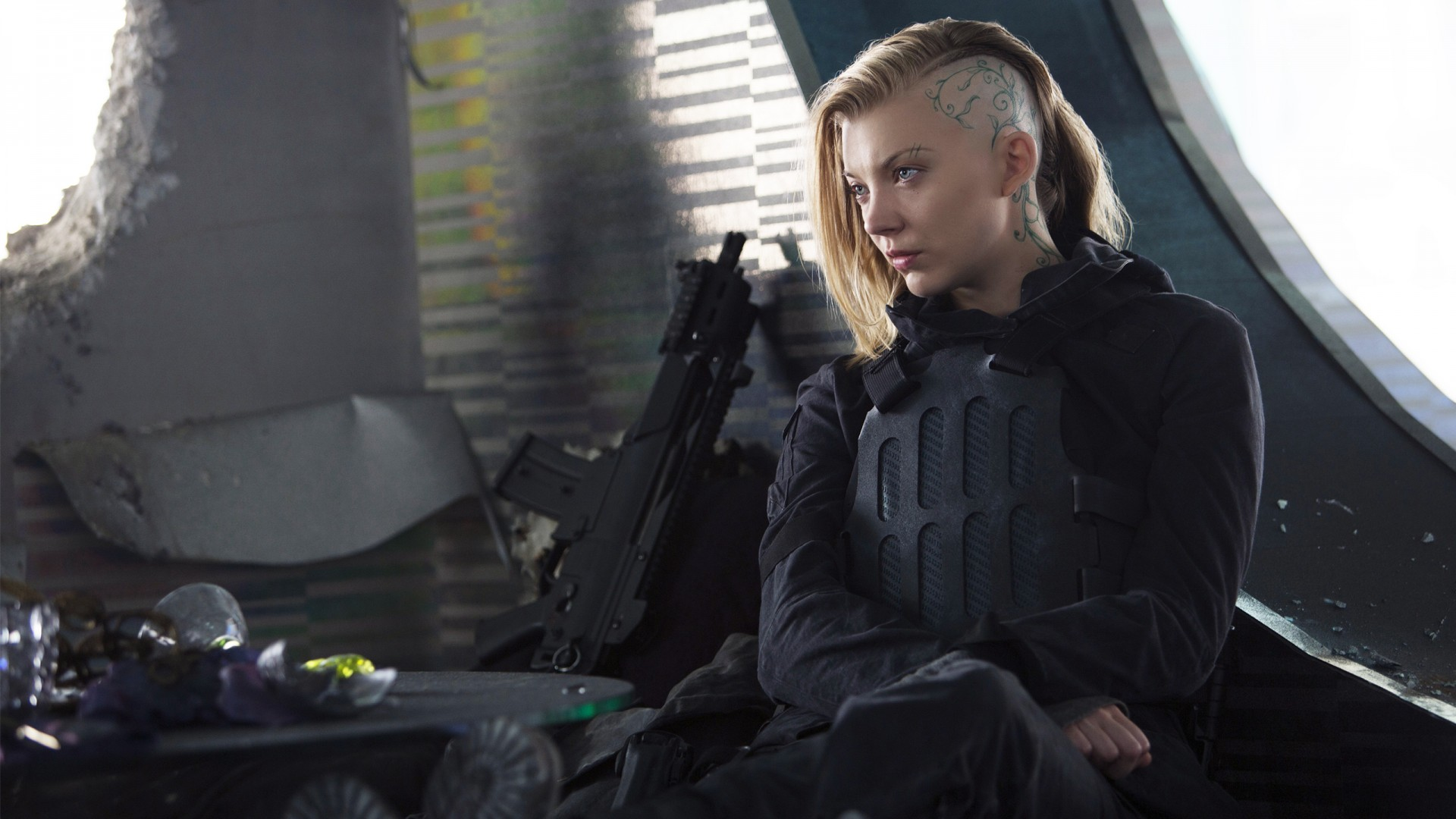 3d Game Wallpaper Natalie Dormer Cressida Mockingjay Part 2 Wallpapers Hd