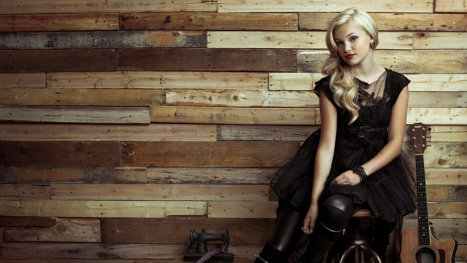 Black 3d Ipad Wallpaper Olivia Holt Wallpapers Hd Wallpapers Id 17408
