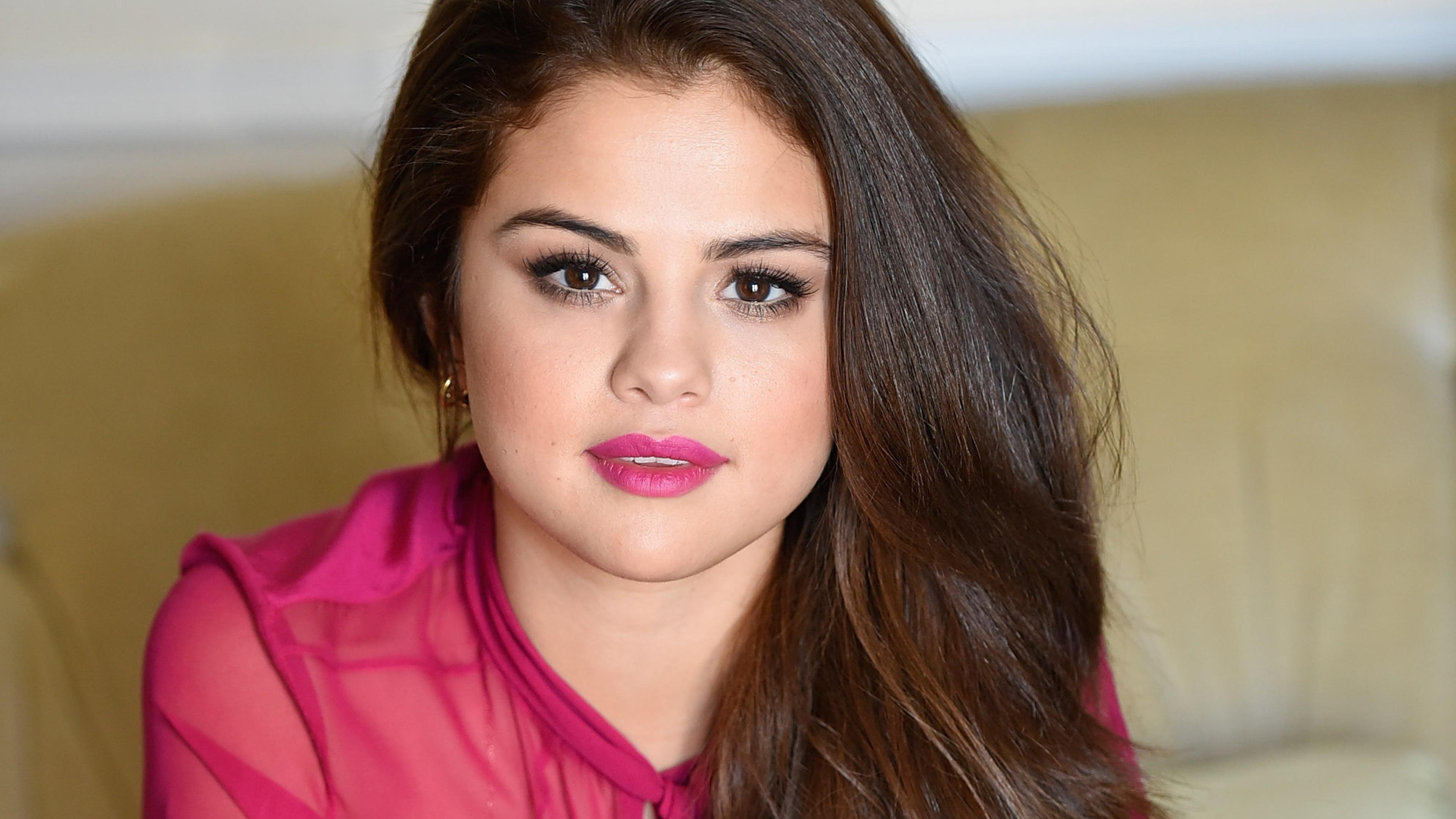 Gucci Mane Iphone Wallpaper Selena Gomez Beautiful 4k Wallpapers Hd Wallpapers Id