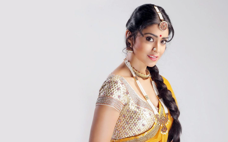 Indian Most Beautiful Girl Wallpaper Shriya Saran 4k Wallpapers Hd Wallpapers Id 17134
