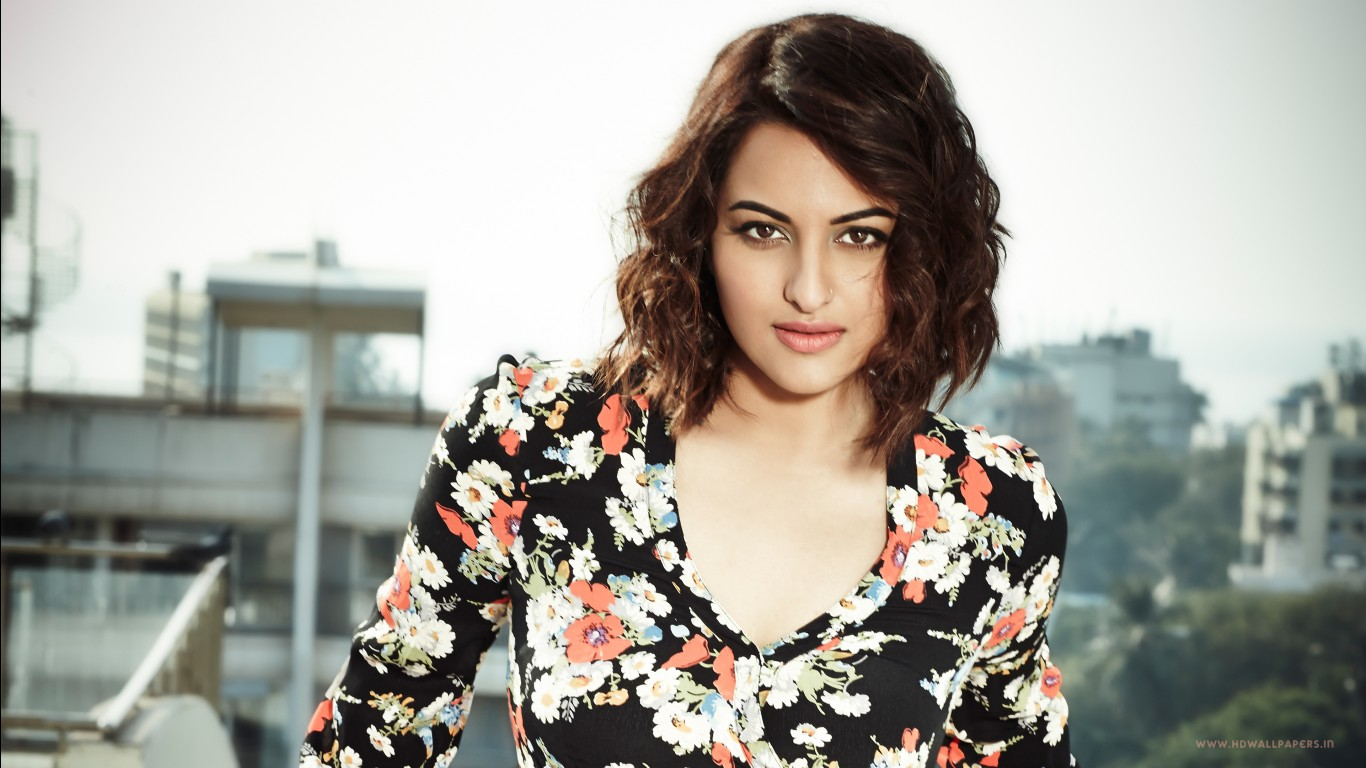 Kajal Agarwal Cute Wallpapers Sonakshi Sinha 2015 Wallpapers Hd Wallpapers Id 14538