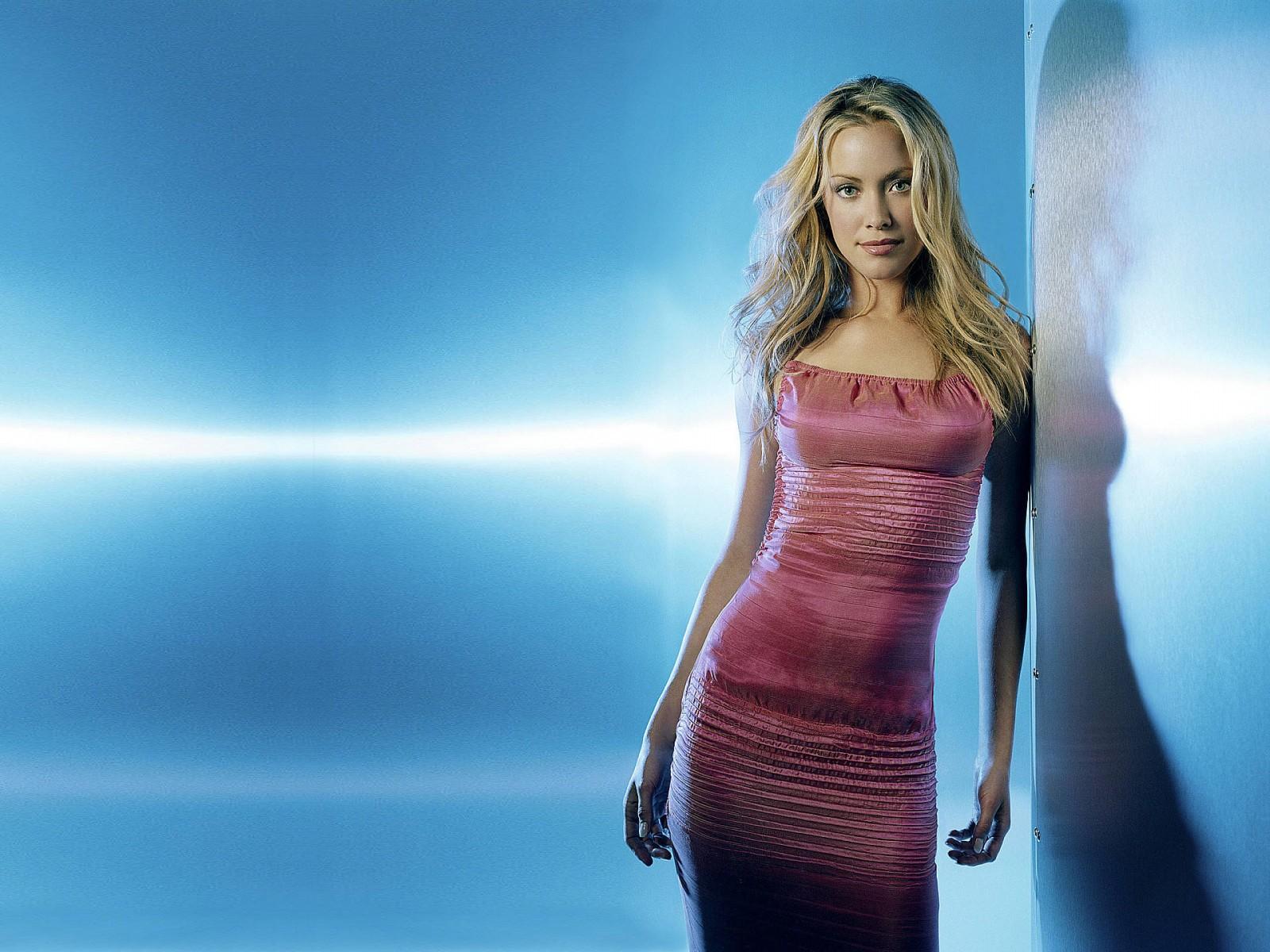 Cute Actress Wallpapers Download Terminator 3 Actress Kristanna Loken Wallpapers Hd