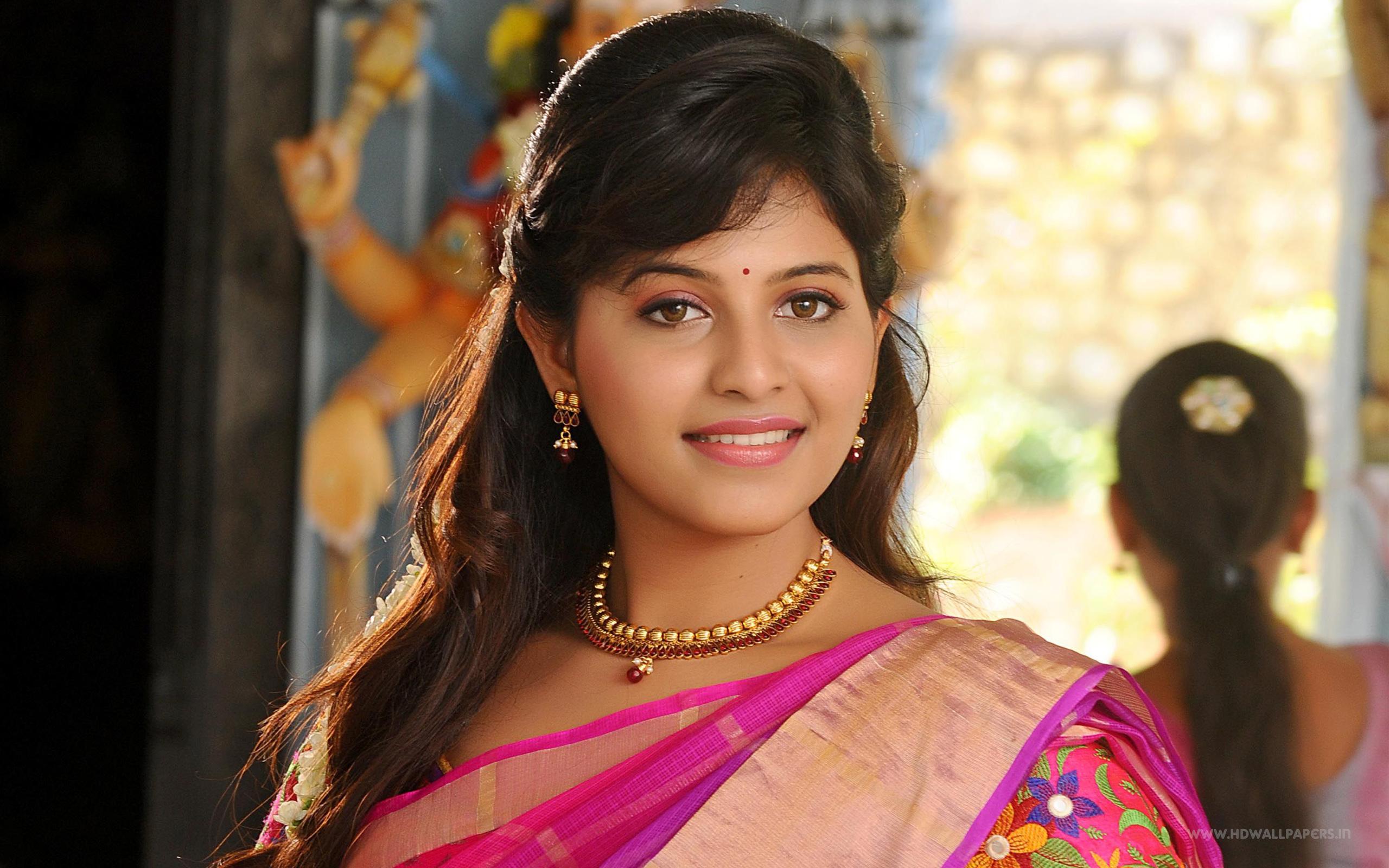 1600x2560 Car Wallpaper Anjali Tamil Actress Wide Wallpaper Wallpapers Z