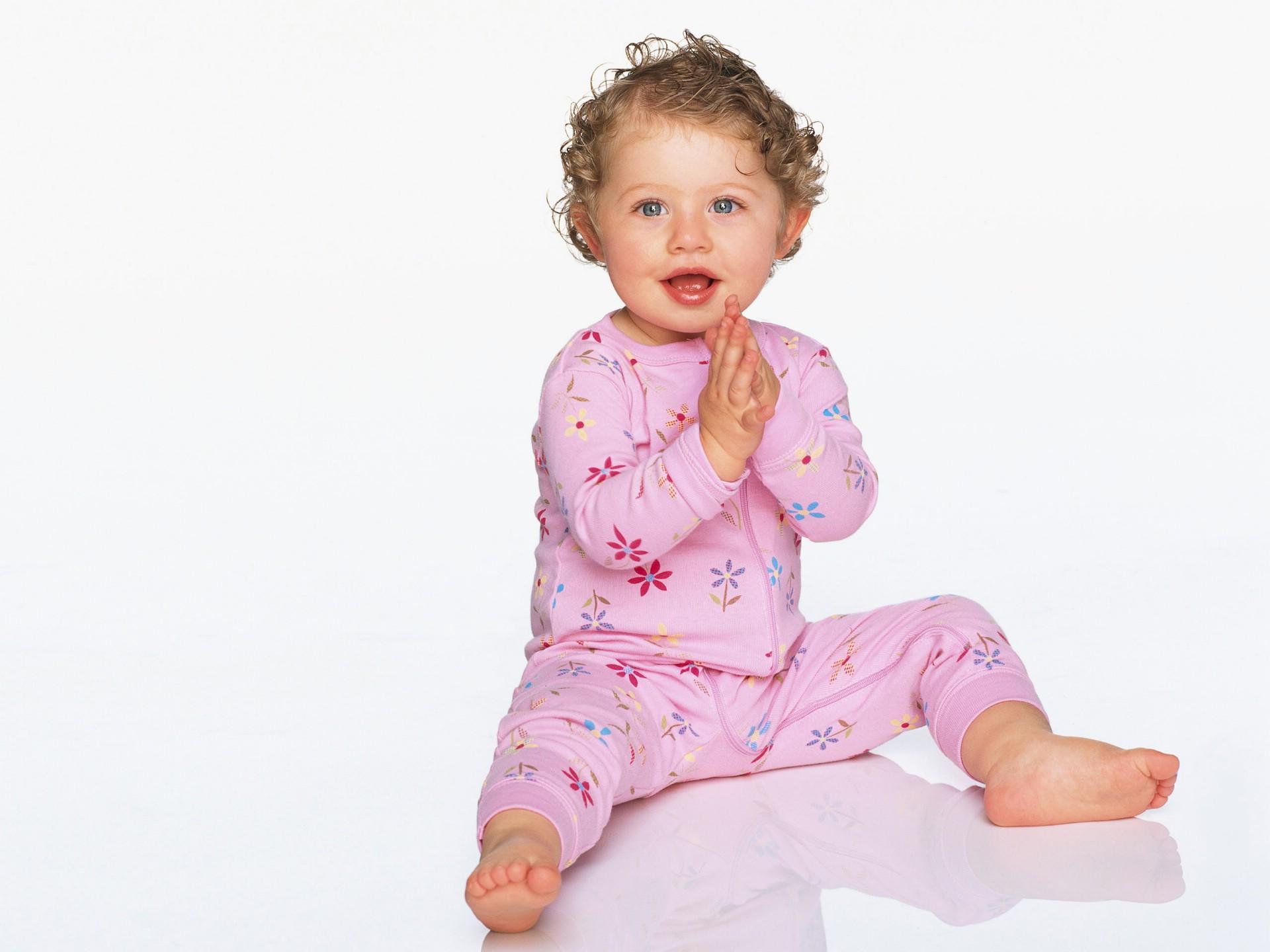 Boy Girl Kiss Hd Wallpaper Cute Baby Hd 8 Wallpapers Hd Wallpapers Id 375