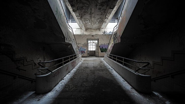 Lg Optimus 3d Wallpaper Abandoned Stairs Wallpaper City Amp Architecture Hd