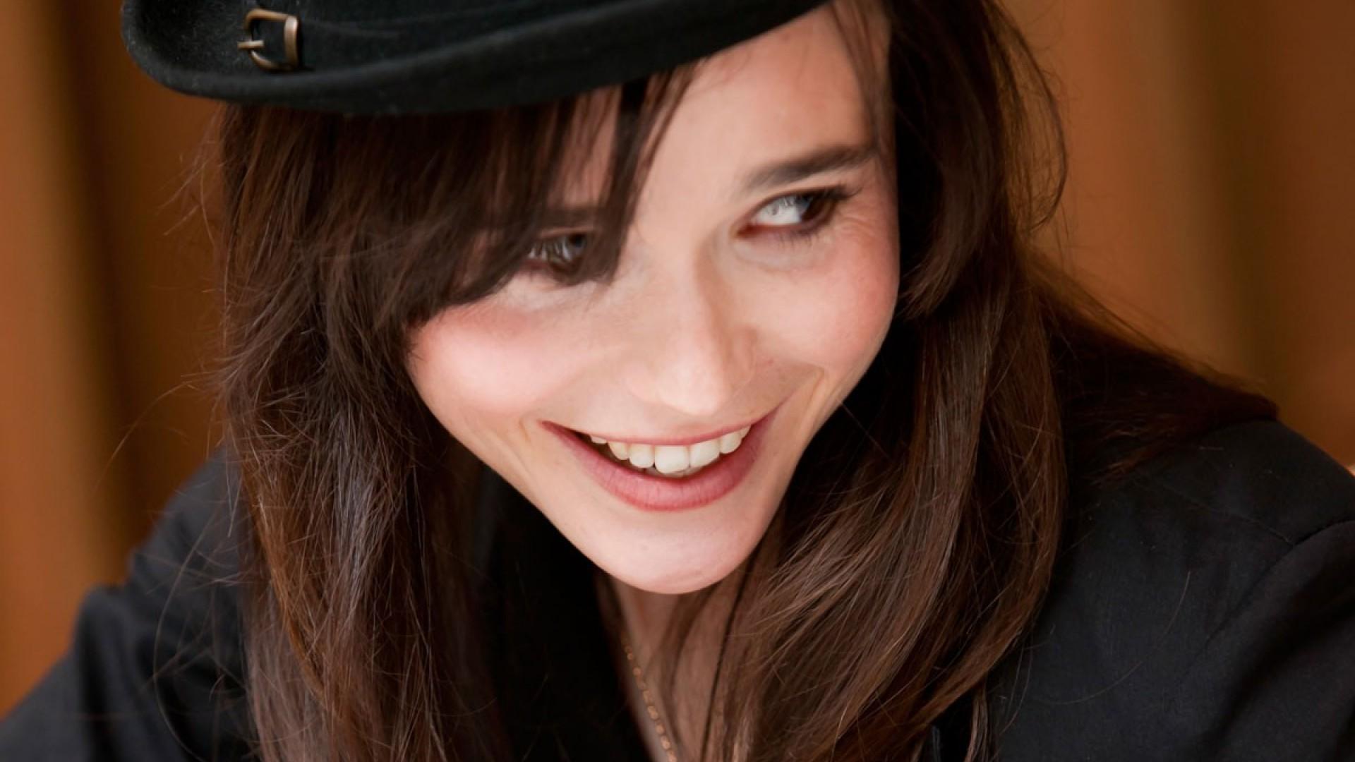 Cute Kitty Wallpapers Download Beautiful Ellen Page 31517 1920x1080 Px Hdwallsource Com