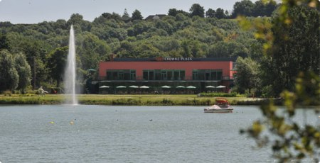 Crowne Plaza Marlow review lake