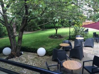 Crowne Plaza London Kensington review garden
