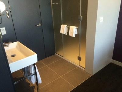 Innside hotel Manchester bathroom