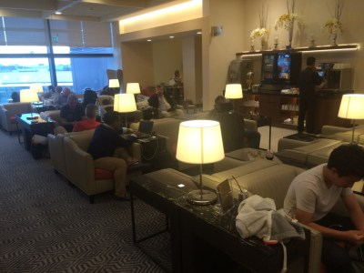 Singapore Airlines business class lounge London Heathrow Terminal 2 review