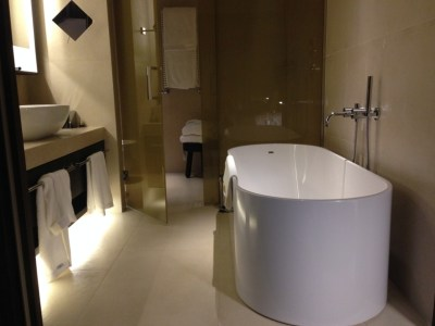 ME Milan bathroom 2