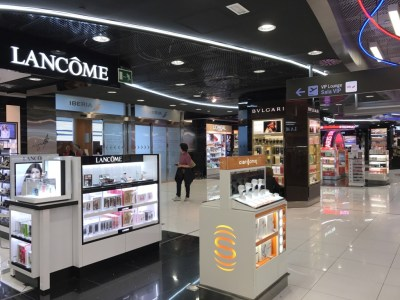 madrid airport sala velazquez lounge duty free shop