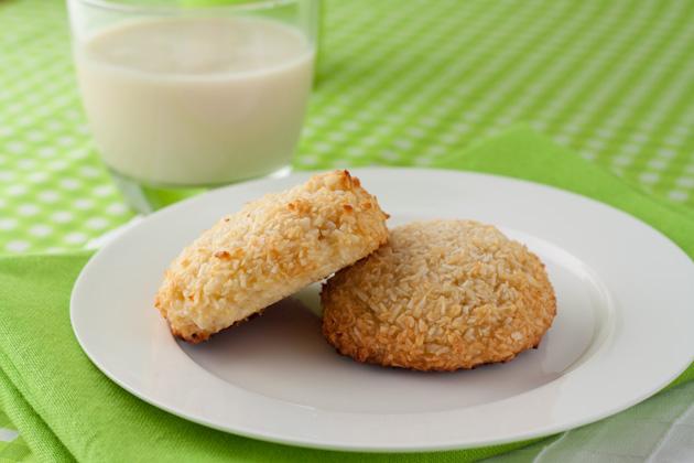 Paleo Chewy Coconut Cookies