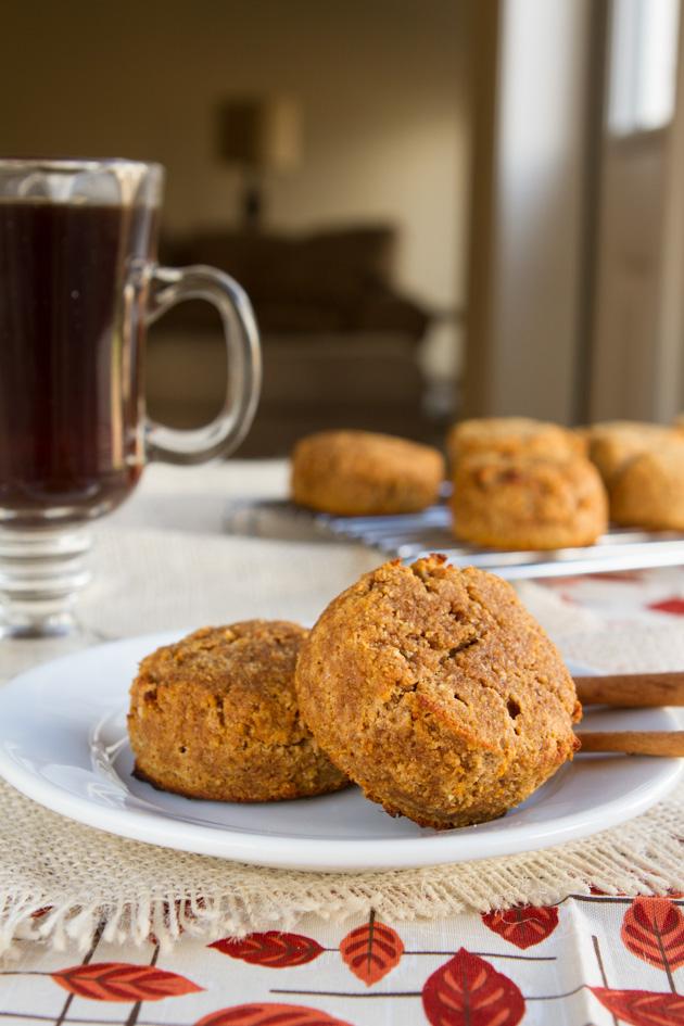 Paleo White Chocolate Pumpkin Spice Muffins