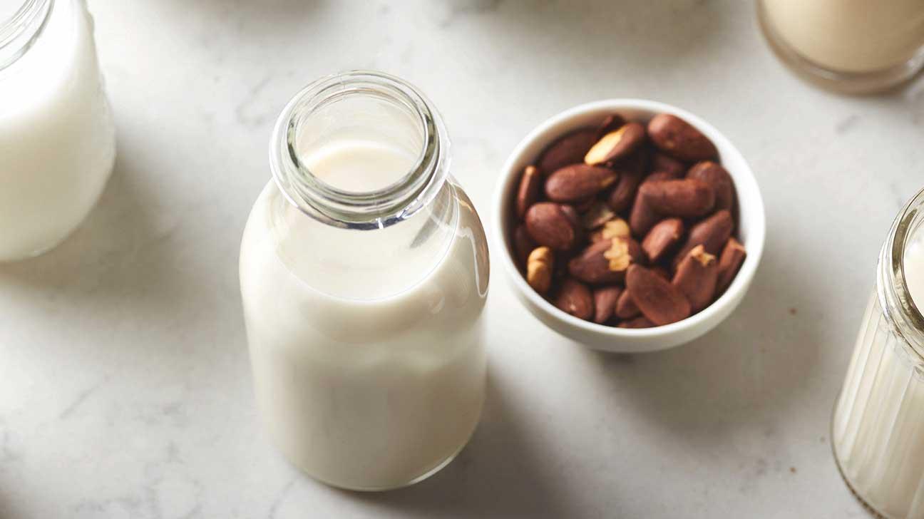 Almond Milk Vs Cows Milk Vs Soy Milk Vs Rice Milk