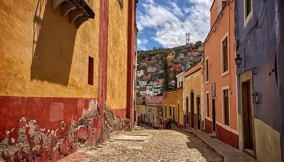 3d Door Wallpaper On The Streets Of Guanajuato Mexico Hecktic Travels
