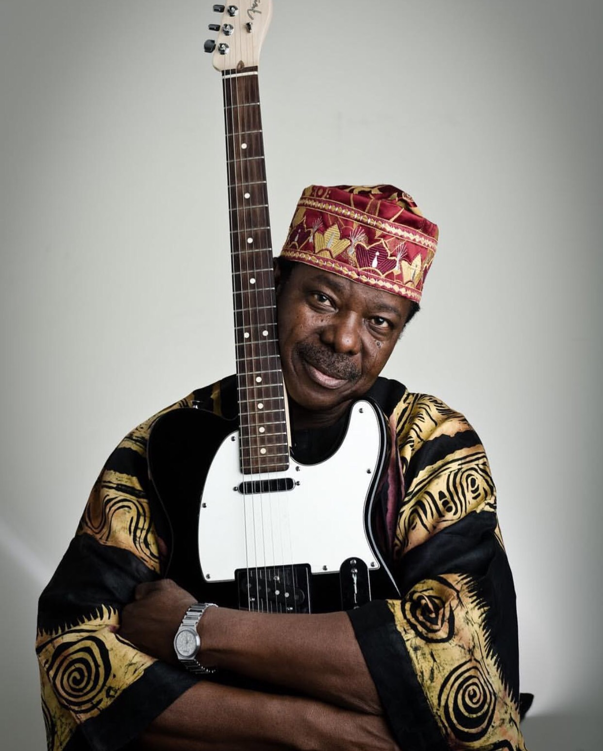#KSAAT70: See King Sunny Ade's Favorite Guitar That Was Auctioned For N52.1 Million At His Concert